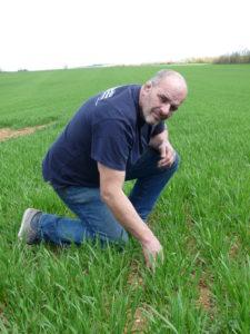 Xavier Aigoui genou à terre